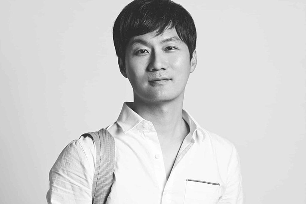參與海港城「拉闊藝術」展覽的韓國藝術家卞大龍