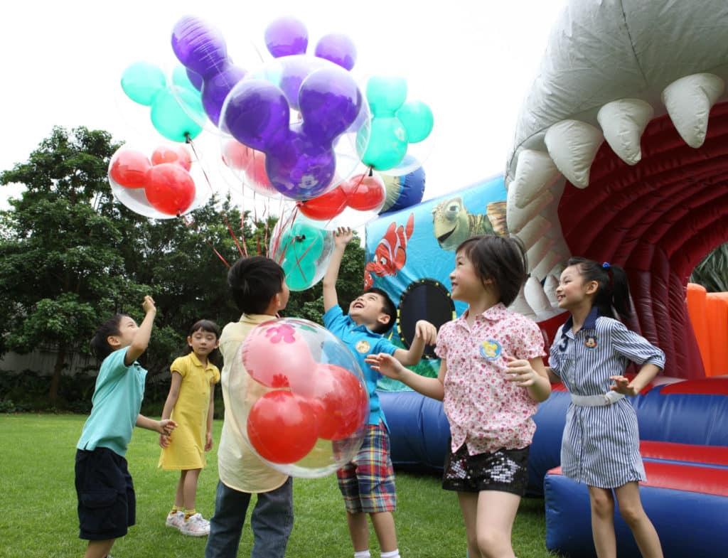 「開心齊玩復活節」有超過 30 款嘉年華活動,包括彈跳樂園及多個兒童遊戲。
