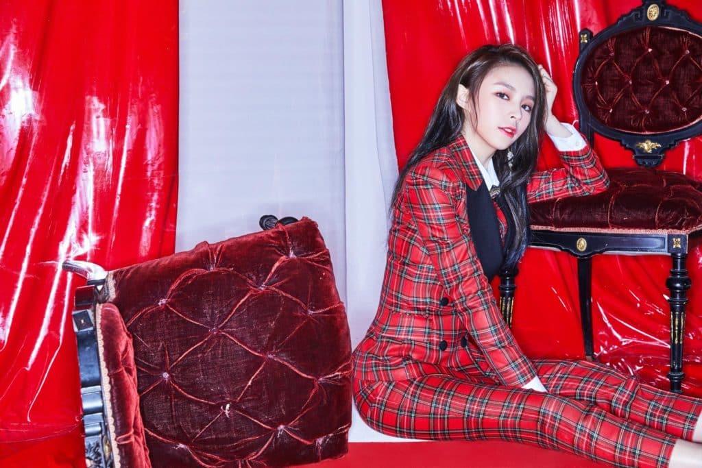 首位打進 K-POP 的女團CLC香港成員 Elkie 莊錠欣榮歸亮相,擔任比賽的評審。