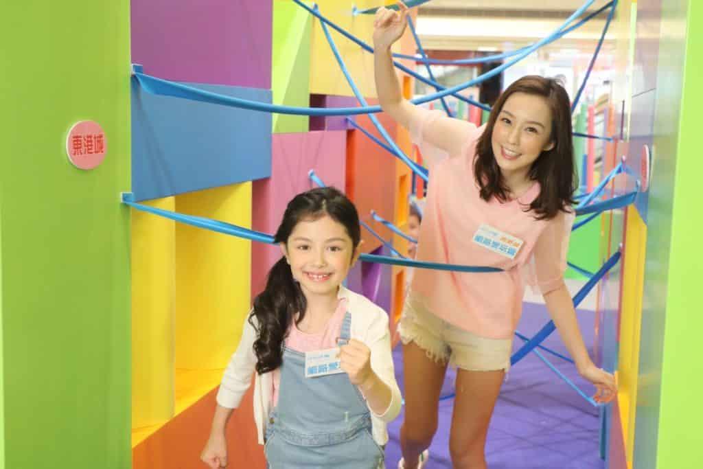 UNICEF HK × 東港城細路愛玩營會場利用色彩繽紛、形狀多元化的巨型積木築成充滿想像空間的體驗區,供小朋友自由探索玩耍。