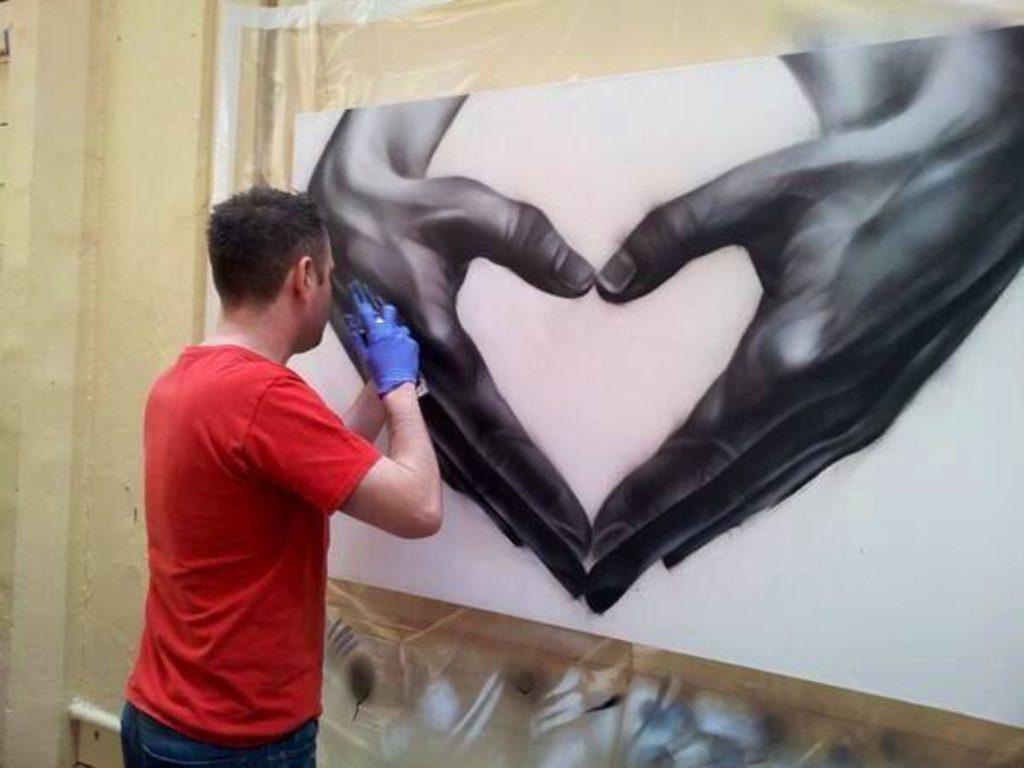 Affordable Art Fair 2018 參展藝術家:來自英國的藝術家 Jody 以「綠色」為題,使用噴漆表達精神健康的重要性。