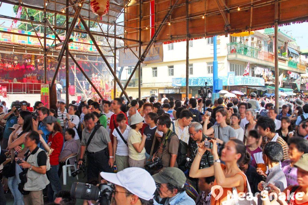 太平清醮起源自驅除疫症,祈求平安。每屆活動均吸引大量香港市民與遊客前往參觀。