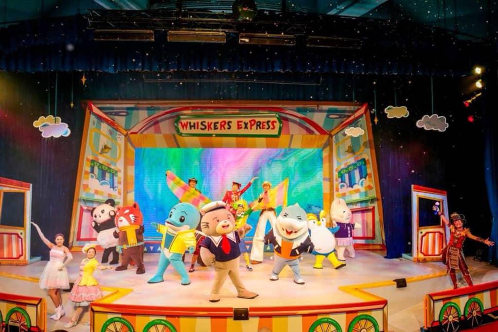 海洋公園威威劇場上演全新歌舞劇「威威列車奇遇」。