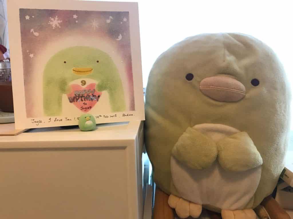 PopWalk 春日童行親子市集:Jophiel 圍繞女兒 Joyce 喜歡的公仔為題,結合 Pastel Nagomi Art 和諧粉彩及滲入現代版畫製作。