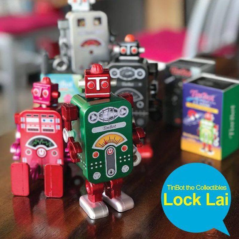 玩具收藏家販售展會有懷舊鐵皮玩具展出。