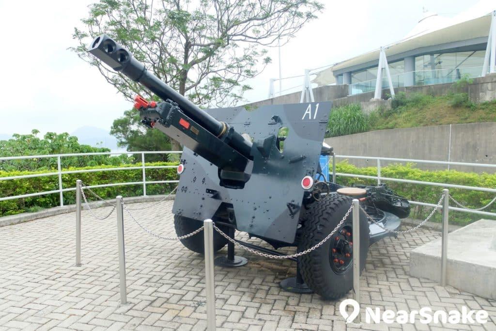 香港海防博物館擺放著一台 25 磅二型野戰砲,當年該也曾擊退不少日軍吧!