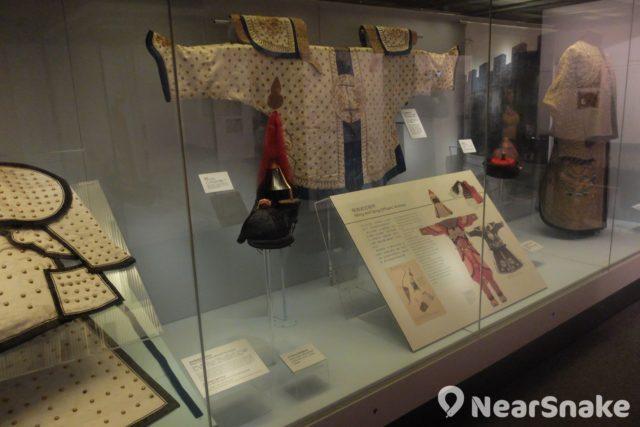 大家可從海防博物館的明代及清代展館,知曉明清朝間海盜倡厥,故此當時朝廷十分重視香港海防部署。