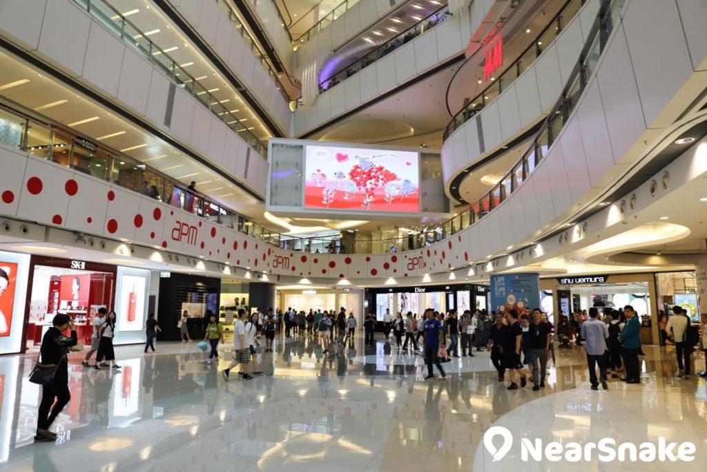 apm 將會在中庭塔建 6,000 呎足球場館,包括 460 吋巨型 LED 高清電視屏幕。