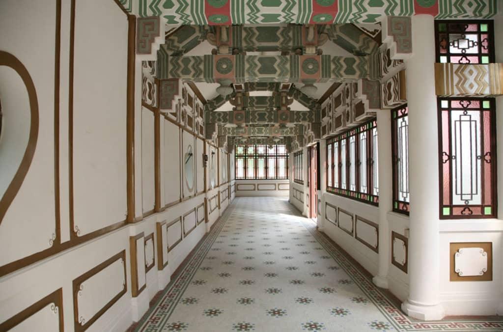 景賢里是糅合中西建築特色的嶺南大宅。