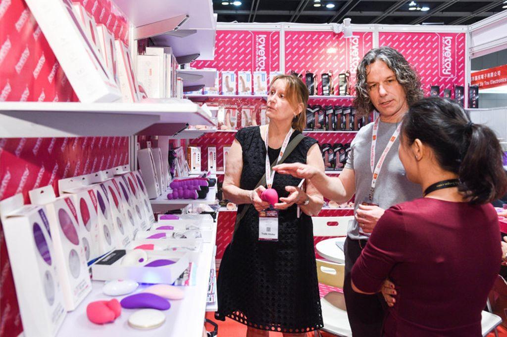 亞洲成人博覽上將會展示各式成人娛樂產品、成人製品、成人玩具及產品、數碼設備及產品。