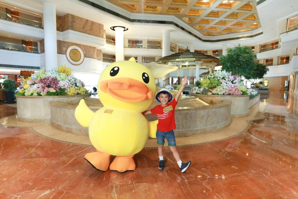 7 至 8 月逢週末,Captain B.Duck 將現身黃金海岸商場和黃金海岸酒店,給粉絲們驚喜。