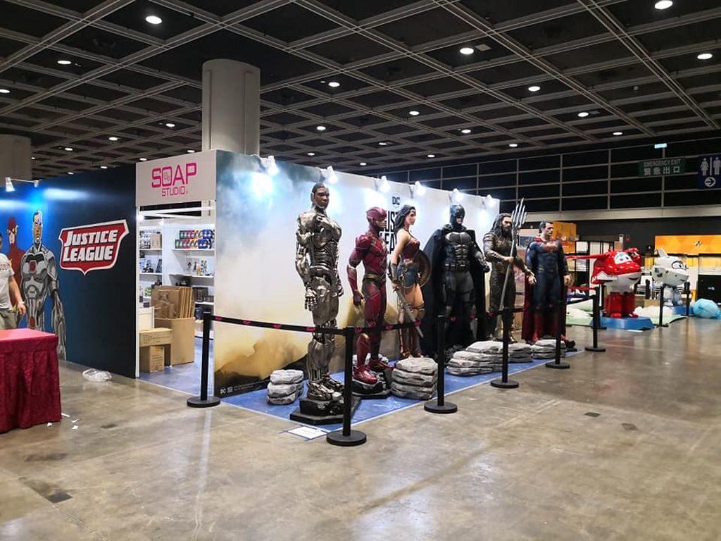 神奇女俠、超人、蝙蝠俠、閃電俠已進駐香港玩具節 2018 會場,準備與大家見面。