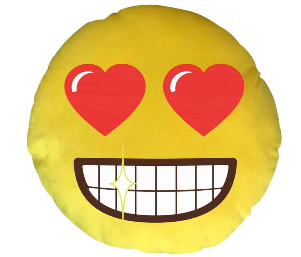 「emoji Sports Fiesta」夏日禮品換領:emoji 心心眼 LED 咕𠱸。