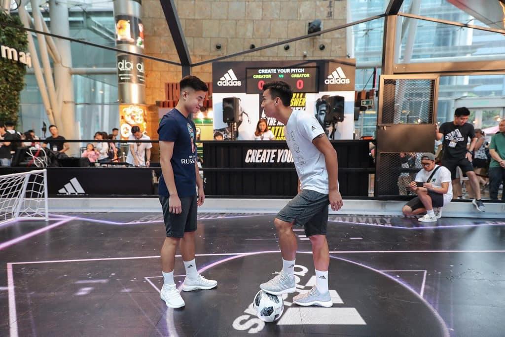 朗豪坊商場設有「Goal Keeping VR Challenge」虛擬實境遊戲,Creators 於對戰入球時,場內會有不同的LED 地板燈光和音響特效。