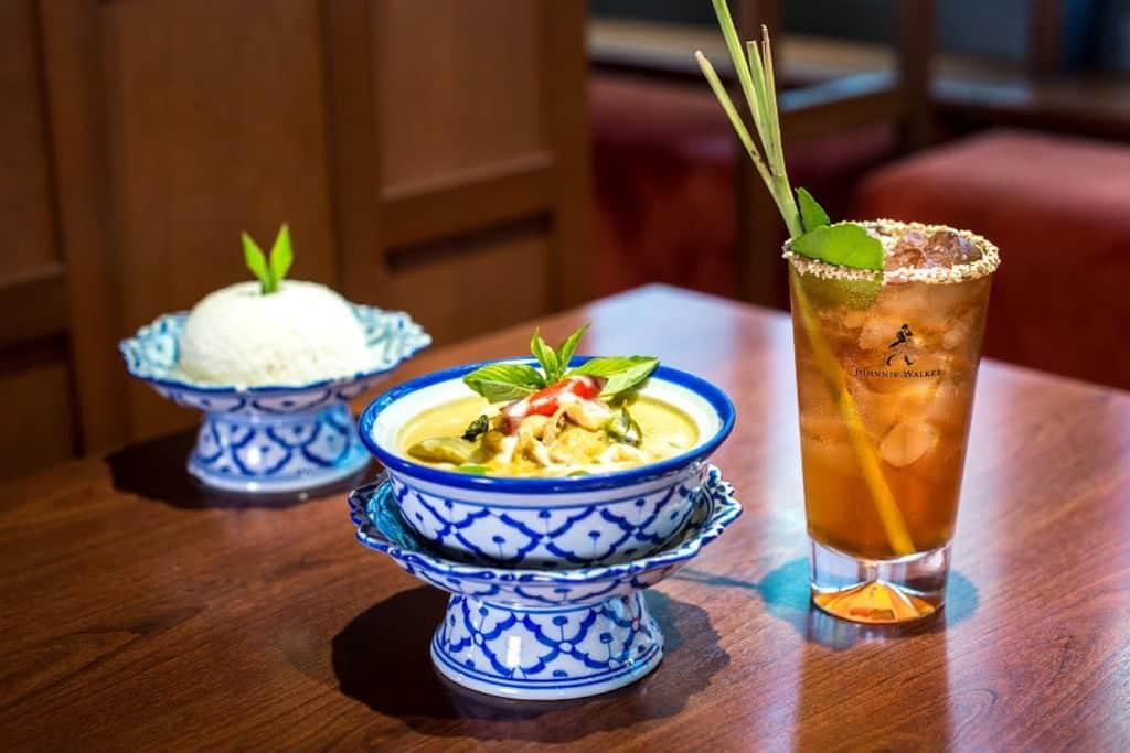 蘭桂坊國際美食巡禮第一擊活動為「Johnnie Walker × 蘭桂坊國際美食巡禮」,集合 14 間環球主題餐廳提供地道精選美食。