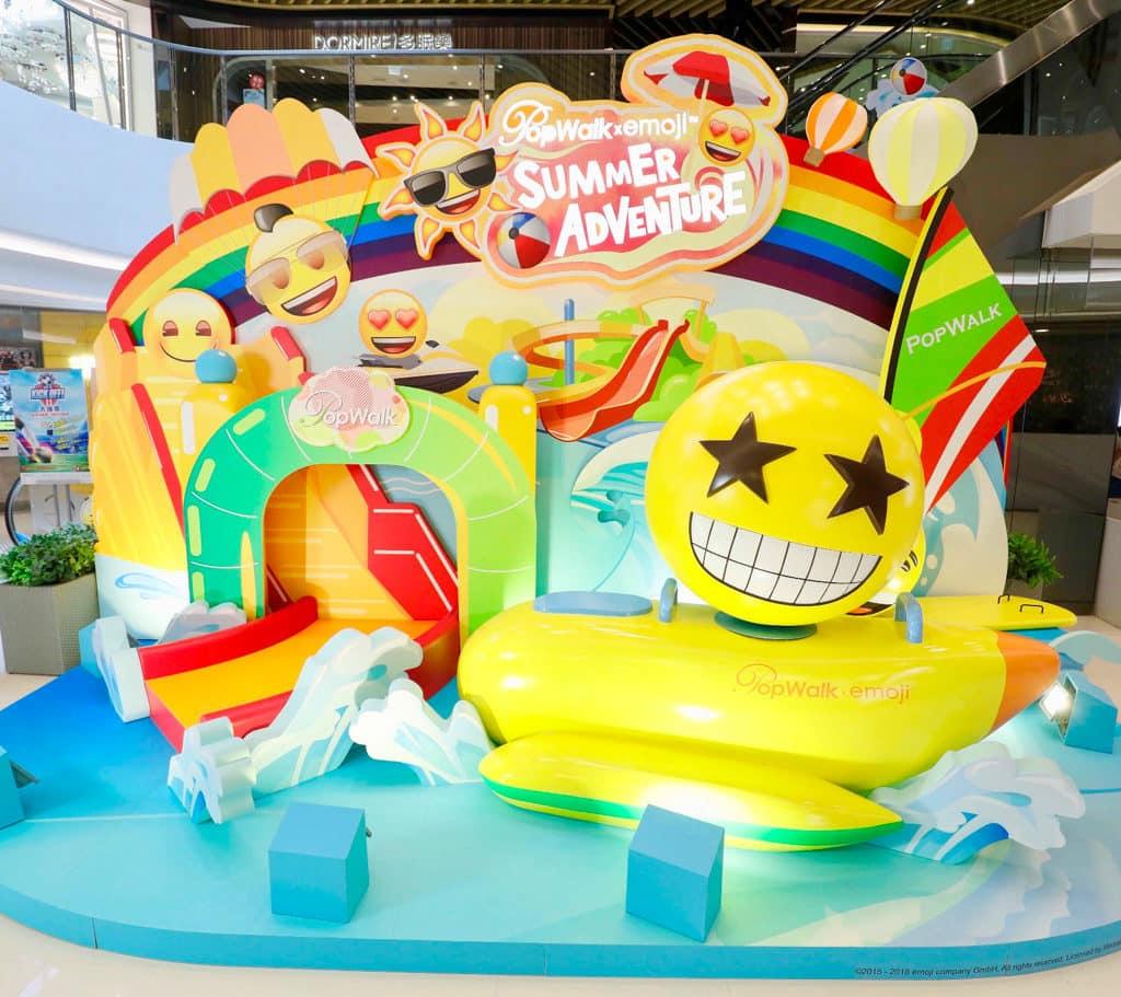 PopWalk 將虛擬手機世界的 emoji 帶到商場,有 10 多個不同造型嘅 emoji 遊走三期商場。