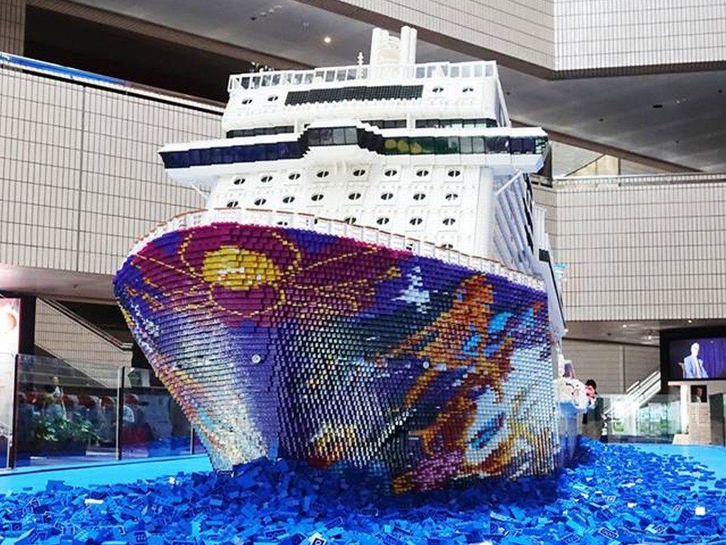 世界夢號 LEGO 積木巨輪已於 5 月 25 日至 6 月 4 日期間進駐香港文化中心,將於 6 月 14 日至 17 日移師至灣仔會議展覽中心繼續展覽。