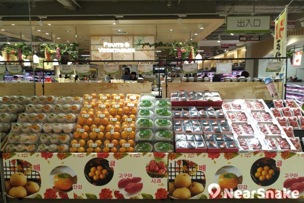 東港城一田提供大量包裝精美的日韓水果,絕對能滿足港人心頭所好!