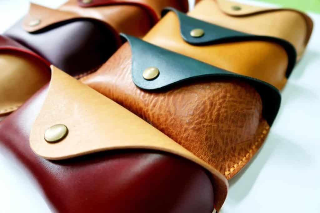 田園森活・野餐主題創意市集精選小店:NiceWork 的創辦人希望以一種較玩味的手法及態度,製作一些連小朋友或年輕人也有興趣的皮革產品。