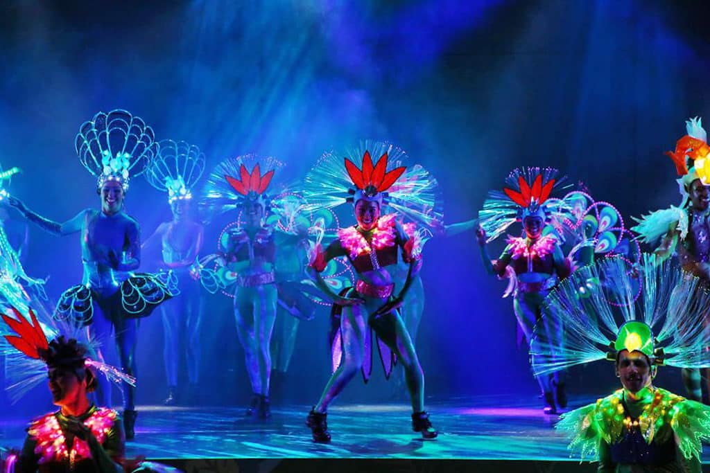 海洋公園怡慶坊將上演充滿南美風情的「火熱奇技大匯演」。