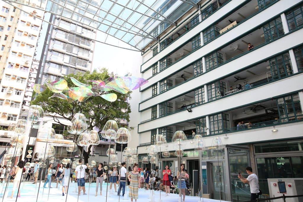 中環 PMQ 元創方將廣場變成泡泡樂園。