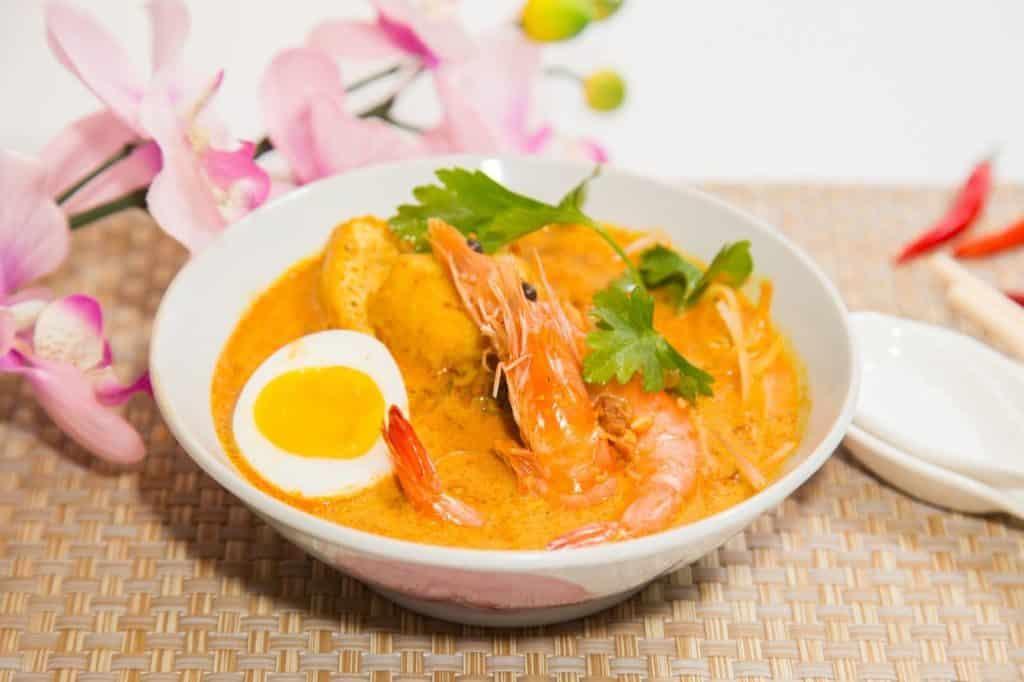 珀麗酒店:味歷亞洲海鮮自助晚餐 - 新加坡叻沙