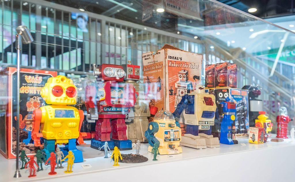 We Go MALL 懷舊收藏品展覽上有 50 至 80 年代出品的鐵皮及塑膠機械人齊齊亮相。