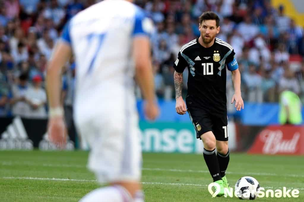 由美斯率領的阿根廷,雖然成功殺入世界盃 16 強,可惜最終不敵法國,成為首支出局的 16 強球隊。圖中為阿根廷對冰島的世界盃淘汰賽。