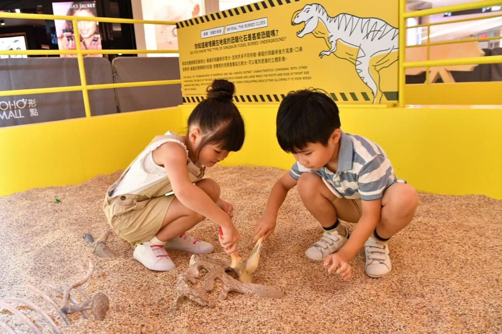 形點 #DINOLAB 恐龍實驗室展覽上的考古巢穴。