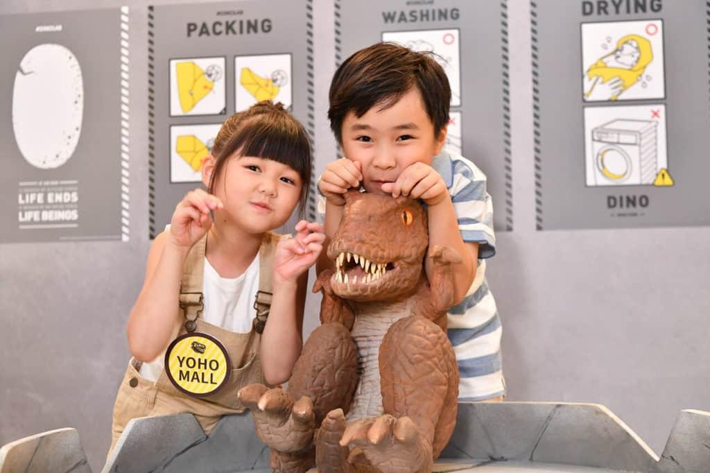 形點 #DINOLAB 恐龍實驗室展覽內的恐龍寶寶抱抱設施。