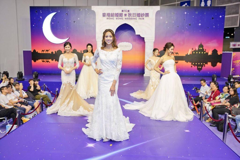 歷屆香港結婚節暨聖誕婚紗展都會請來不同的藝人與模特兒,示範最新款的婚紗。