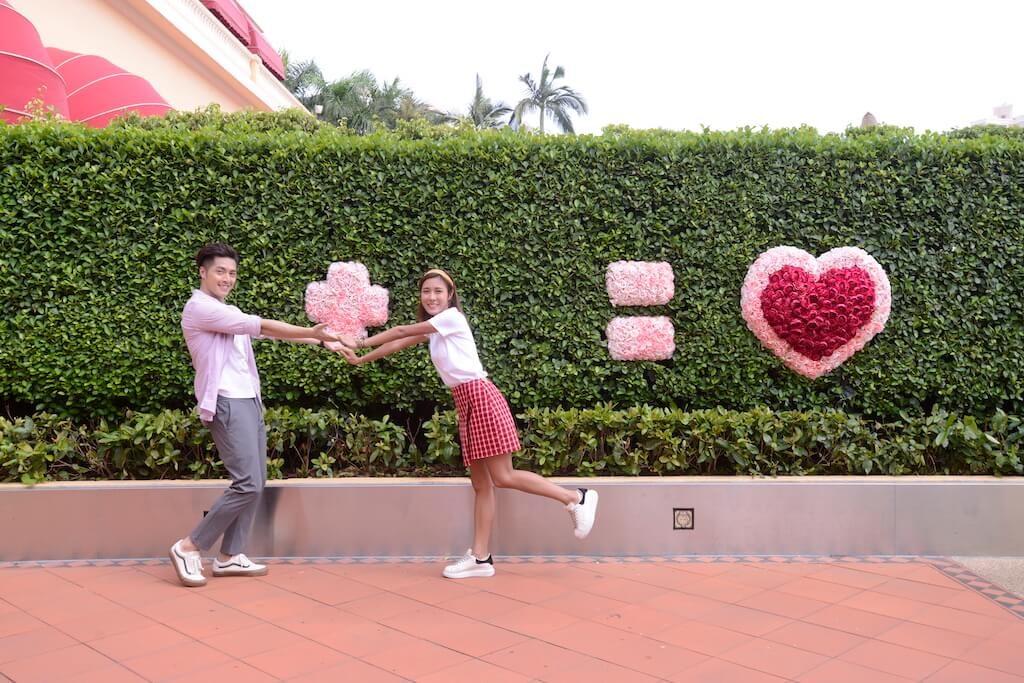 黃金海岸商場特設情侶閨蜜最愛的小清新花見意境牆。