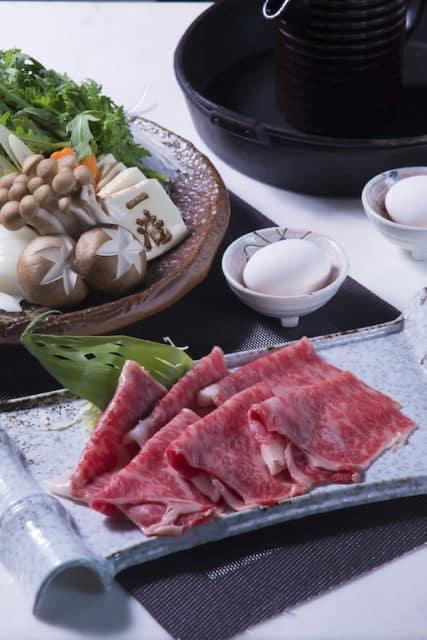 黃金海岸商場:「一浩KAZUHIRO」主打鹿兒島和牛壽喜燒。