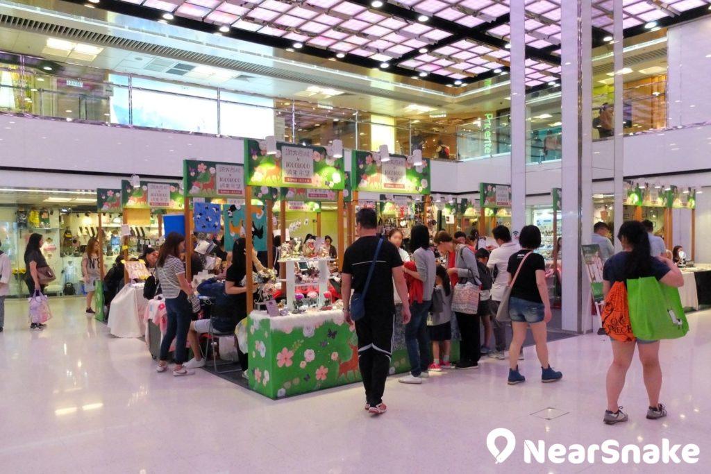 淘大商場中庭空間廣闊,現已成手作市集的熱門舉行地點。