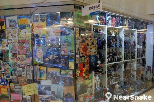 喜歡 figure 模型的朋友,淘大商場內的「玻璃街玩具」該可滿足到你。