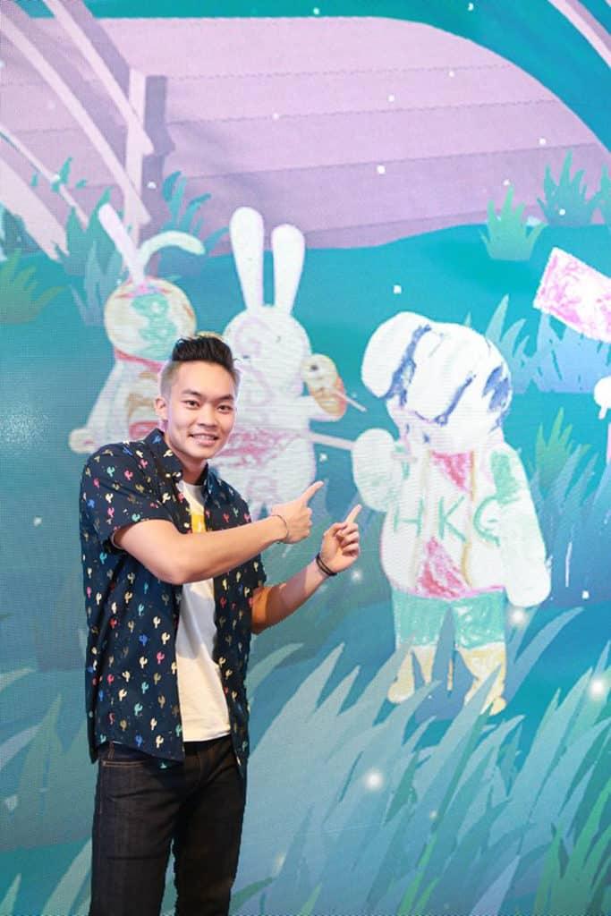 銅鑼灣希慎廣場:美心月餅「圓月太空限定店」色彩繽紛的太空兔更會於屏幕裡轉化成 3D 形態。