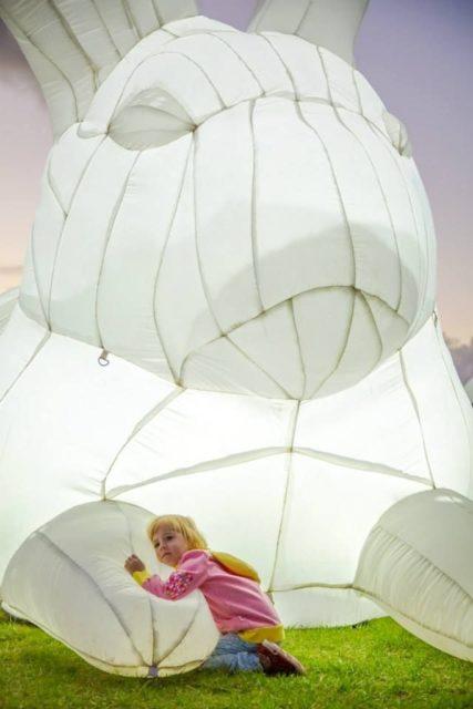 中港城·利東街:「月兔.秋燈」主題活動 高達 7 米的巨型發光月兔,將首次於香港展出。