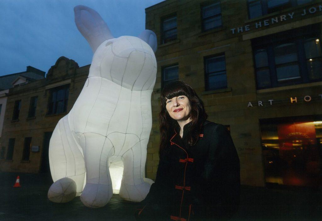 中港城·利東街:「月兔.秋燈」主題活動 享譽國際的澳洲藝術家 Amanda Parer。