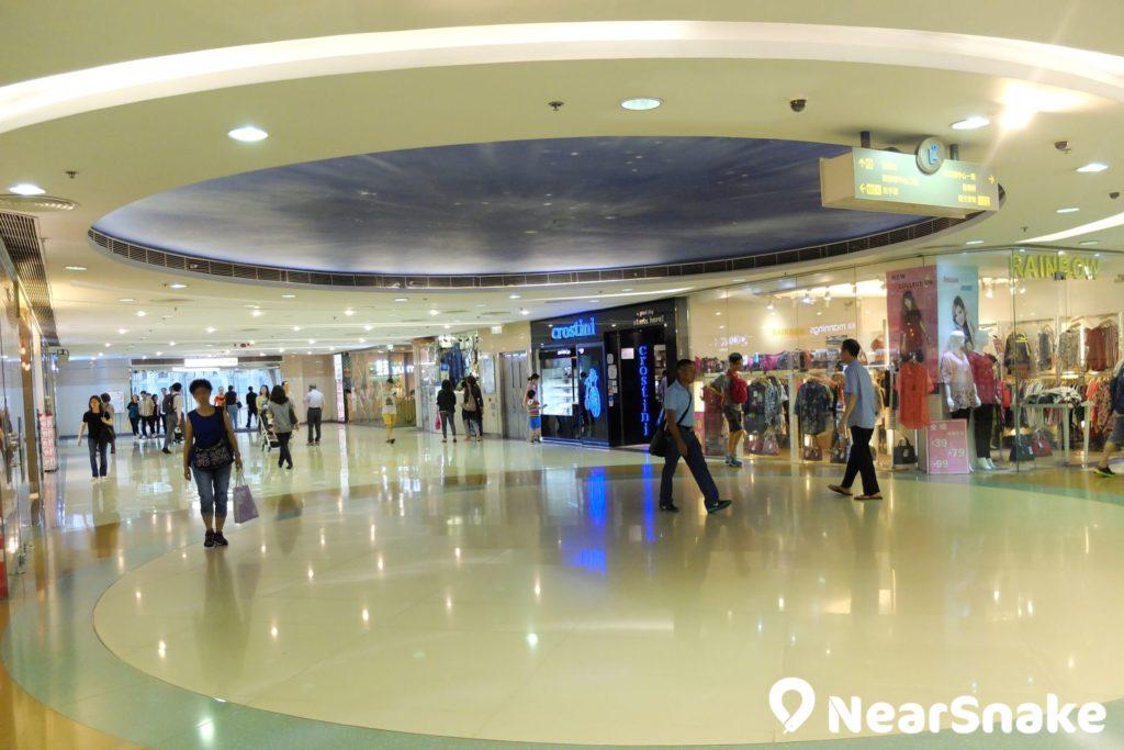 MCP Discovery 的圓形廣場具時尚型格的設計。