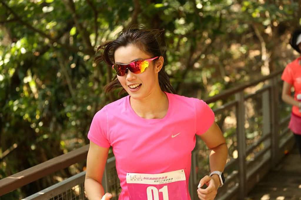 赤柱大街:粉紅慈善跑 2018 港隊游泳代表歐凱淳 2017 年亦有參加粉紅慈善跑。