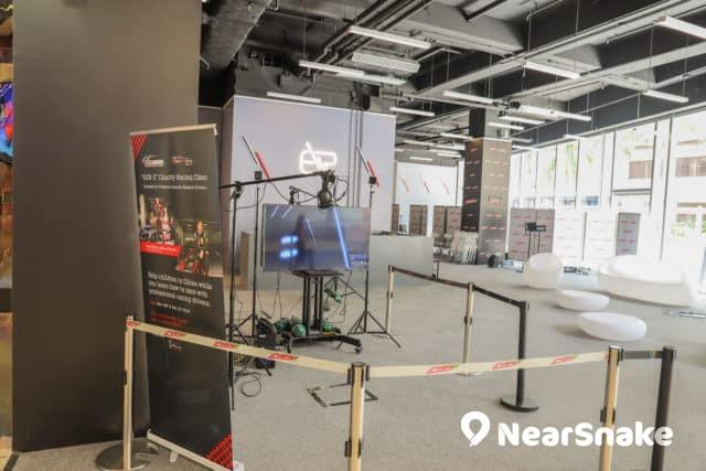 We Go Mall 商場內設有大型 VR 體驗館及電競場,提供虛擬實境遊戲。