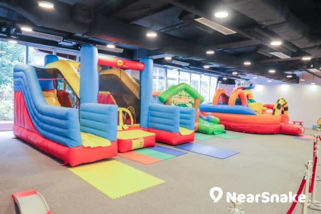 馬鞍山新商場We Go Mall 兒童天地提供多款充氣城堡。