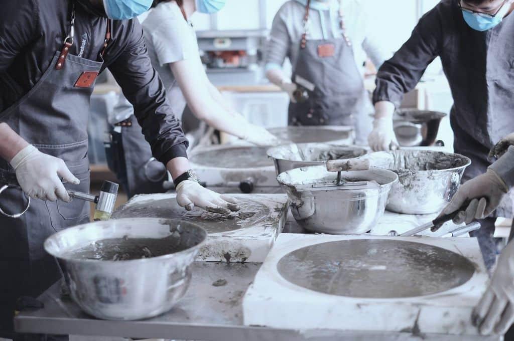 茂蘿街 7 號拾綠市集-倒模Moldflip工作坊,以水泥打造一件屬於自己的獨特作品。