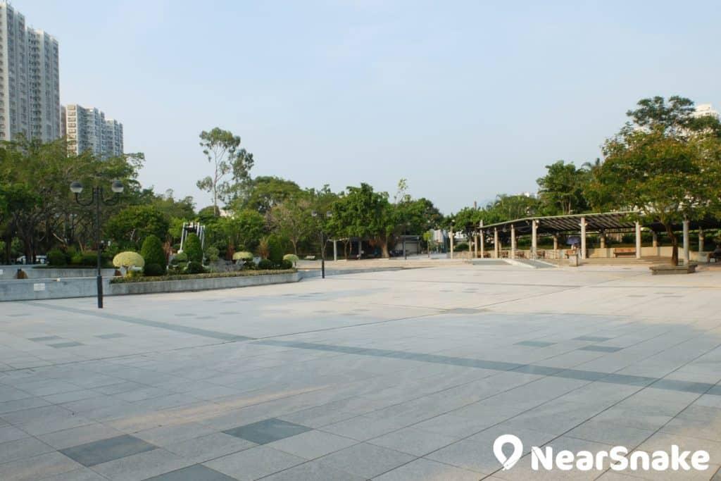沙田公園擁有一大片的廣場用地,適合舉辦大型戶外活動。