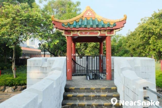 沙田公園北園的中式城堡上的樓閣,也是瞭望亭。