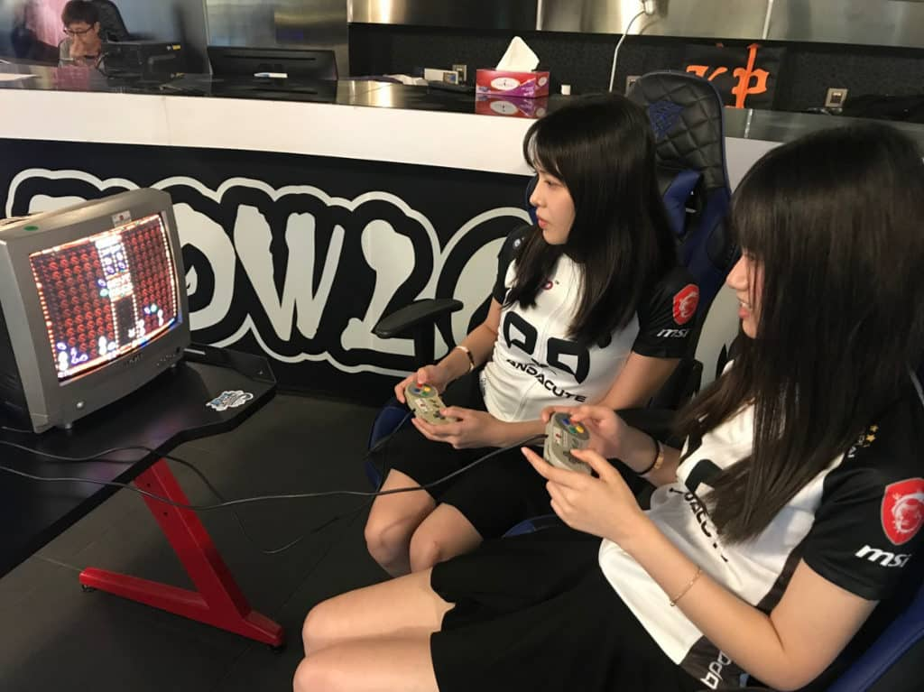 數碼港商場:南區國慶電競嘉年華 活動邀請了女子電競隊 PandaCute 到場表演。