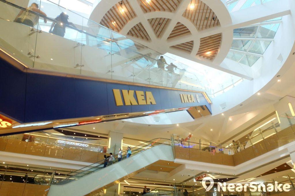HomeSquare 商場中庭設有專用天梯直達 IKEA 宜家家居。