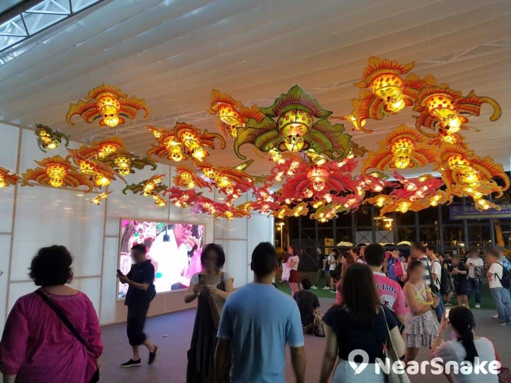 中秋綵燈會 2018 上設有香港非物質文化遺產項目:傳統紮作技藝展示。