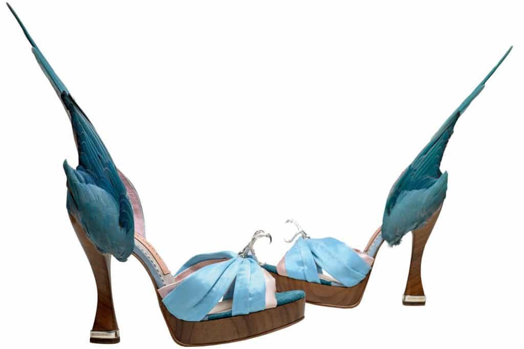 Pacific Place太古廣場:「鞋履:樂與苦展覽」亞洲巡展終點站 Caroline Groves 設計,Parakeet 高跟鞋,英格蘭,2014年