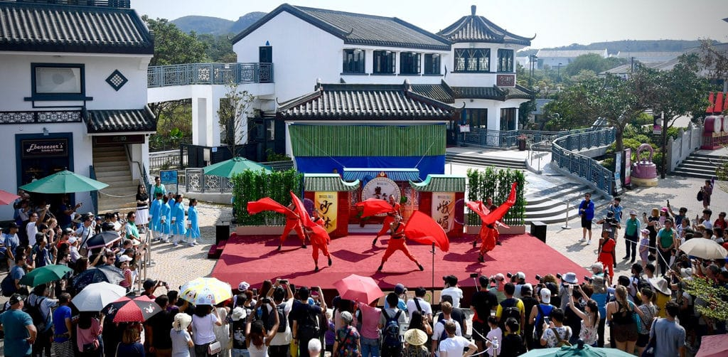 昂坪市集:360盟主之爭「少林VS峨嵋」 遊客可到昂坪市集免費欣賞武術表演。